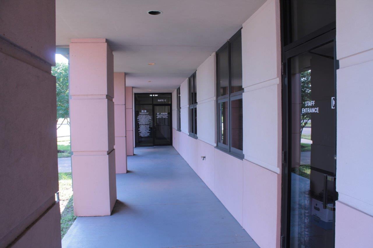 2010 East Villa Maria